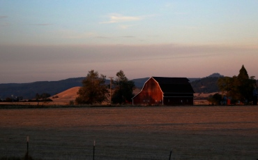 Sun sets on Oregon farm