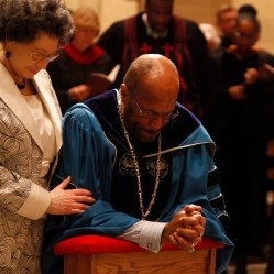 New bishop prays